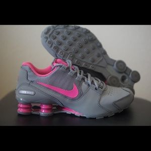 Nike Shoes - Nike Shox Avenue women's size 7.5 grey pink kids 6